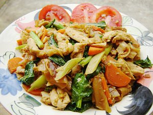 Pad Si Iw (thick noodled stir fry with shrimp and squid)