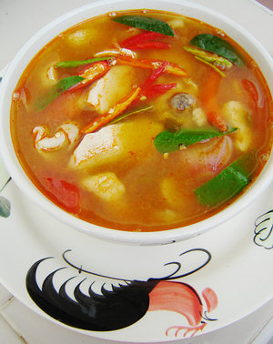 Tom Yum Gai (Spicy Sour Chicken Soup)